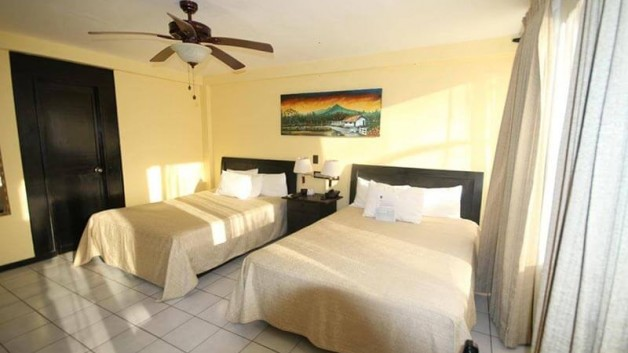 el-sitio-single-beds-room2